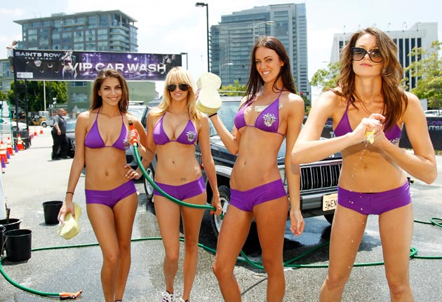 02-bikini-car-wash-090611