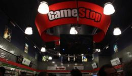 Gamestop sees steep decline in Xbox 360 and PS3 interest