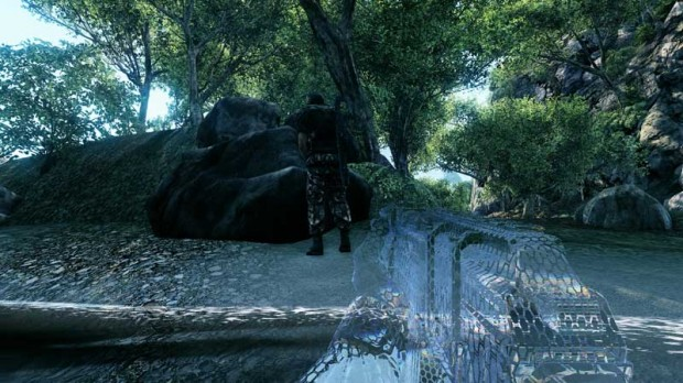 Crysis-cloak-engaged-620x348