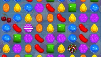 Solitaire, Minesweeper, Hearts… And Now Candy Crush Saga For Windows 10