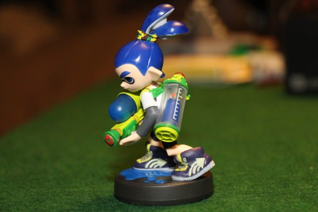 Splatoon-Boy-Inkling-Amiibo-4-642x428