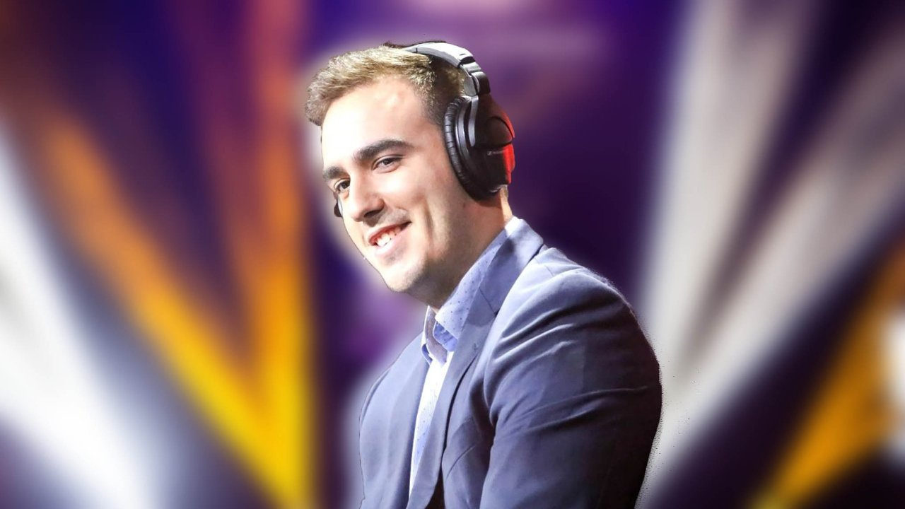 Joe MerK Deluca Call of Duty Caster