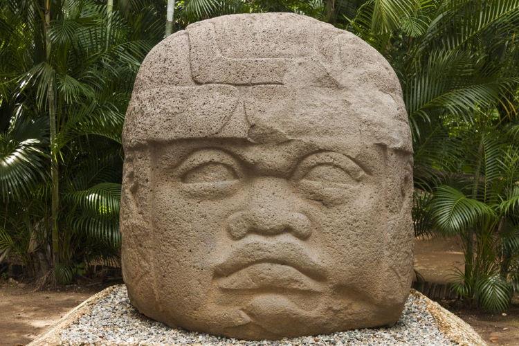 Animal-Crossing-New-Horizons-Art-Guide-Rock-head-Statue