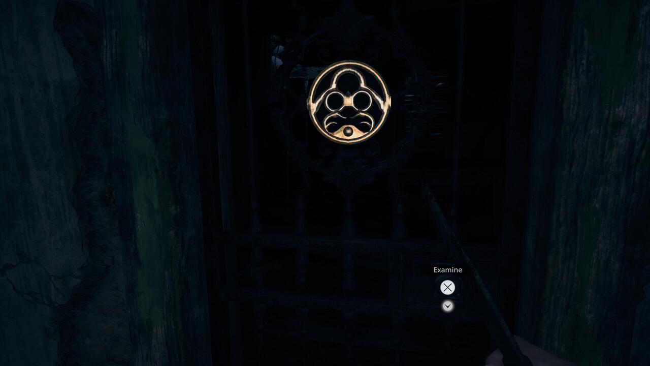 Resident-Evil-Village-Iron-Insignia-Door-Key